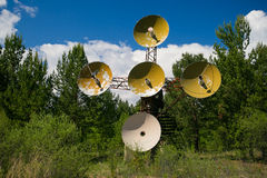 Radioteleskop i bergen Royaltyfri Bild