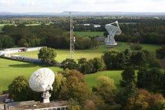 Radioteleskope in Jodrell Querneigung Lizenzfreie Stockbilder