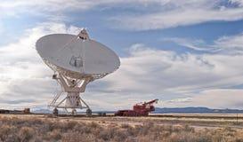 radiowego teleskopu przewieziony pojazd obrazy royalty free