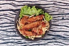 Radis râpé cuit à la vapeur frit avec des pousses d'échalote et de haricot Photographie stock libre de droits