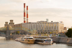 Radisson Slavyanskaya hotell- och flodskepp Royaltyfri Fotografi