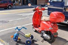 Radość być dzieciakiem w ruchliwie NYC Zdjęcia Stock