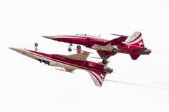 RADOM, POLEN - 22. AUGUST: Aerob Patrouille Suisse (die Schweiz) Stockfotos