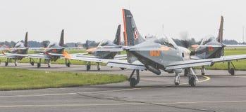 RADOM POLEN - AUGUSTI 26: Orlik Polen aerobatic skärmlag Arkivfoto