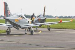 RADOM POLEN - AUGUSTI 26: Orlik Polen aerobatic skärmlag Arkivbilder