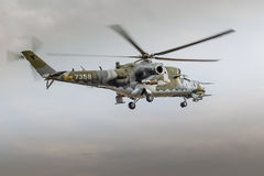 RADOM, POLEN - AUGUSTUS 22: Mi-24 de achterste vertoning tijdens Lucht toont 20 Royalty-vrije Stock Afbeeldingen
