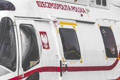 RADOM, POLEN - AUGUSTUS 26, 2017: Poolse marinehelikopter tijdens royalty-vrije stock foto