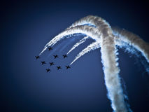 RADOM, POLONIA - 30 de agosto: Flechas rojas de la Royal Air Force (A real Imagen de archivo libre de regalías