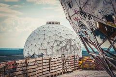Radome στον εγκαταλειμμένο σταθμό τομέων NSA/το σταθμό ακούσματος στη ΣΕΕ Στοκ φωτογραφία με δικαίωμα ελεύθερης χρήσης