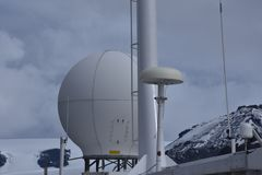 Radome do radar em um navio Fotos de Stock