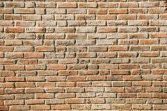 Radordning av gammalt bruk för tegelstenvägg som texturbakgrund, baksida Fotografering för Bildbyråer