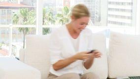 Radosny bizneswoman odświętności sukces zdjęcie wideo
