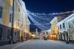 RADOVLJICA, ESLOVENIA - 20 DE DICIEMBRE DE 2017: noche de diciembre del advenimiento Imágenes de archivo libres de regalías