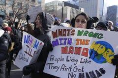 Raduni contro il divieto musulmano del ` s di Donald Trump a Toronto Immagine Stock Libera da Diritti