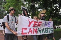 Raduni per legalizzare la canapa Immagine Stock Libera da Diritti