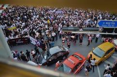 Raduni tailandesi contro la fattura di amnistia Fotografie Stock Libere da Diritti