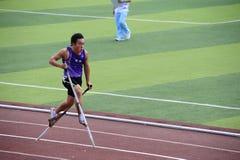 Raduno di sport, alti giochi del piedino, giochi dello Stilt Fotografie Stock