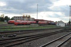 RADVILISKIS LITAUEN - JUNI 26, 2011: Litauen järnväg nätverk och spår Arkivfoto