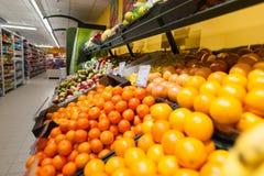 RADVILISKIS LITAUEN - NOVEMBER 22, 2016: Maxima Shop i Litauen En av det populärast shoppar märke i Litauen Royaltyfri Fotografi