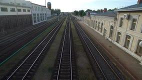 RADVILISKIS LITHUANIA, CZERWIEC, - 28, 2018: Litewska Kolejowa sieć z pociągami i linią kolejową w tle zdjęcie wideo