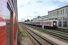 RADVILISKIS, LITUANIA - 26 GIUGNO 2011: Rete ferroviaria e piste della Lituania Immagine Stock