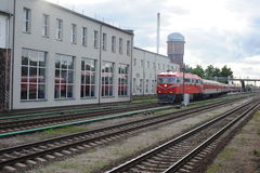 RADVILISKIS, LITUANIA - 26 GIUGNO 2011: Rete ferroviaria e piste della Lituania Immagini Stock