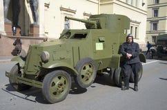 Radziecki opancerzony samochód BA-3 i jego kierowca Zdjęcie Stock