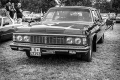 Radziecki pełnych rozmiarów luksusowy samochód GAZ-14 Chaika Obrazy Stock