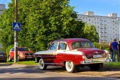 Radziecki retro czerwony samochodowy Volga GAZ-21 Gorky, Rosja Zdjęcie Royalty Free