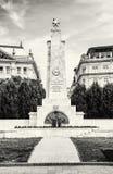 Radziecki wojenny pomnik w Budapest, Węgry, czarny i biały Fotografia Stock