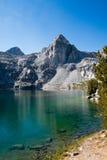 Rae Lake på John Muir Trail arkivbilder