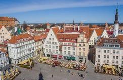Raekoja plats la place au centre de vieux Tallinn Photographie stock libre de droits