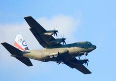 RAF Hercules in den 50. Jahrestags-Markierungen Lizenzfreie Stockfotografie