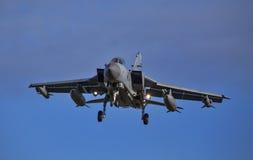 RAF Tornado Jet omkring som ska landas. Royaltyfri Bild