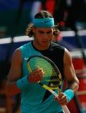 Rafa Nadal som gör en gest under match i den mallorca lodlinjen Arkivbilder