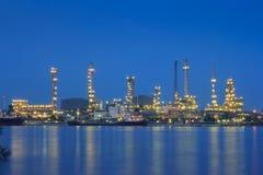 raffinaderi för växt för industrioljepetrochemical Arkivfoton