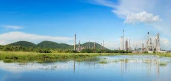 raffinaderi för växt för industrioljepetrochemical Arkivfoto