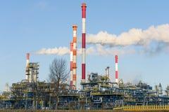 Raffinaderi i nord av Polen Royaltyfri Bild