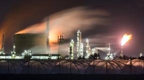 Raffinaderij bij Nacht Royalty-vrije Stock Fotografie