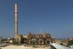 Raffinaderij en schoorstenen Royalty-vrije Stock Foto
