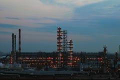 Raffineria di chimica dell'olio Fotografie Stock Libere da Diritti
