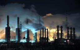 Raffineria di Grangemouth alla notte Immagini Stock
