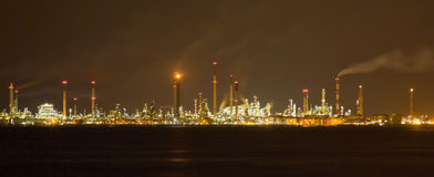 Raffineria di petrolio di Singapore e piante di fabbricazione Fotografia Stock