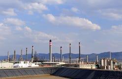 Raffineria di petrolio in Puertollano, provincia di Ciudad Real, Spagna fotografia stock