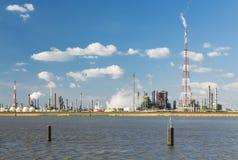 Raffineria e fiaccola del porto di Anversa Fotografia Stock