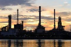Raffinerie de pétrole de Bangkok en temps de matin Photos libres de droits