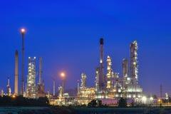 Raffinerie de pétrole et de gaz Photographie stock libre de droits