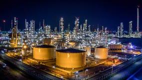 Raffinerie de pétrole de vue aérienne Images libres de droits