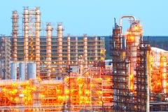 Raffinerie la nuit Images stock