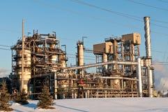 Raffinerie pétrochimique en soirée Image libre de droits